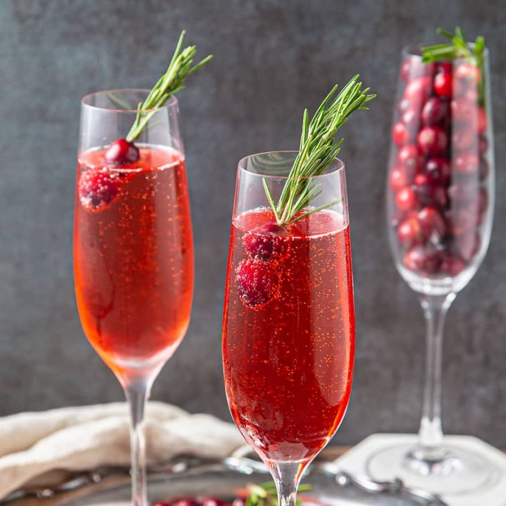 Poinsettia Cocktail ( Christmas Champagne Cocktail )